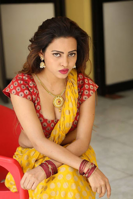 Geeta Shah Stills At Item Movie Launch