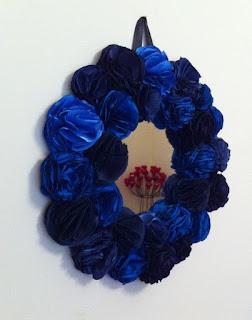 mavi lacivert dekoratif el yapımı gül ayna