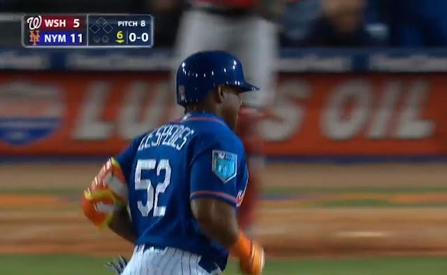 Pareciera que al menos un bateador cubano tiene que exhibir su poder en cada jornada de los entrenamientos primaverales y este jueves tres figuras de la isla sacaron la pelota del parque