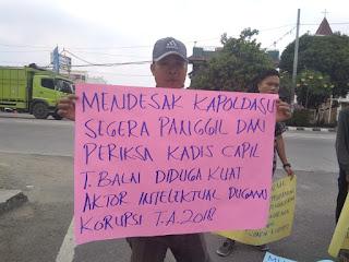 Diduga Korupsi, Massa Desak Kapolda Sumut Periksa Kadisdukcapil Kota Tanjungbalai
