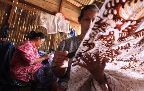 http://www.indramayu.asia/2015/09/batik-indramayu.html