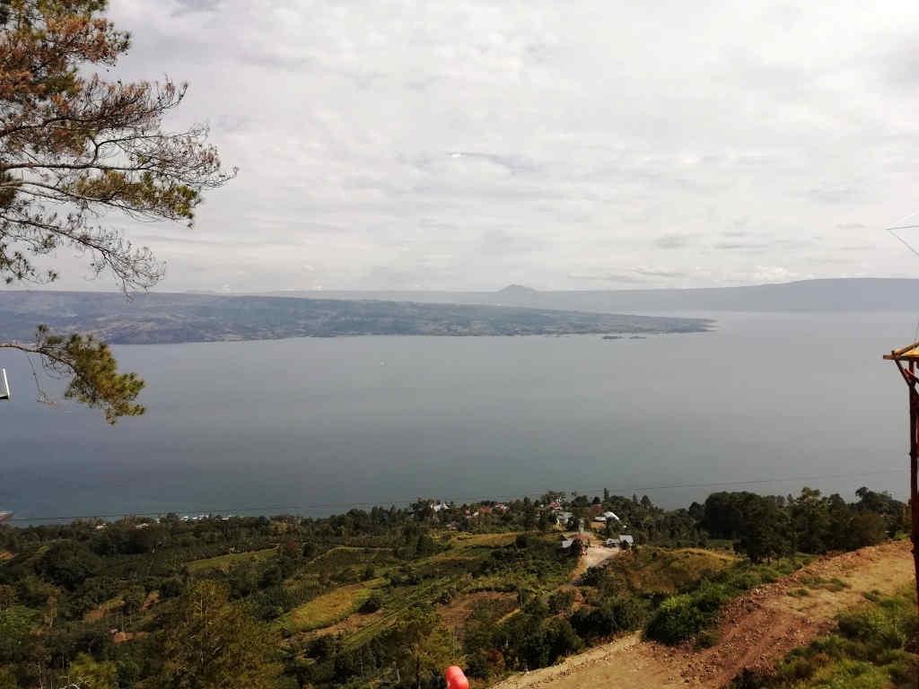 Danau Toba dari Bukit Indah Simarjarunjung (BIS)