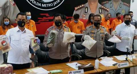 Polisi bongkar pabrik home industri Liquid Vape, 25 kilogram tembakau Gorila disita