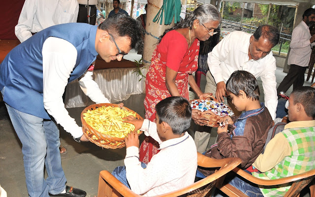 Dr. Aneel Murarka  celebrating Diwali with Kids