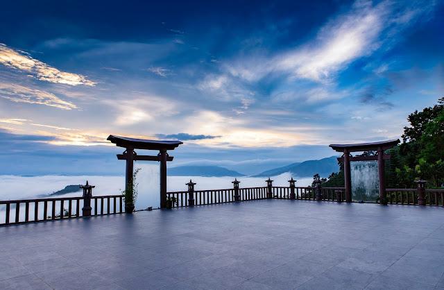Cổng trời tại chùa Linh Quy Pháp Ấn