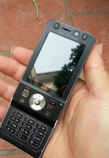 Sony Ericsson W910i_1