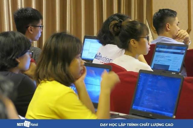 Buổi học HTML, CSS tháng 7 tại NIIT – ICT Hà Nội