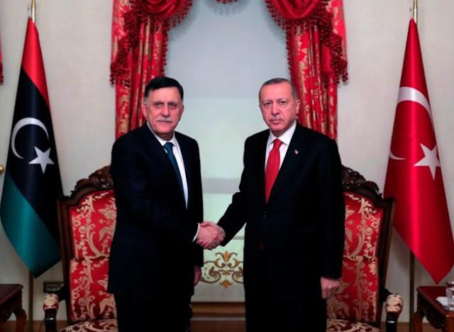 Συνάντηση Ερντογάν - Σαράτζ κεκλεισμένων των θυρών