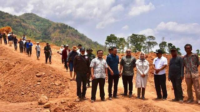 DPRD Jabar Tinjau Langsung Kondisi Gunung Geulis