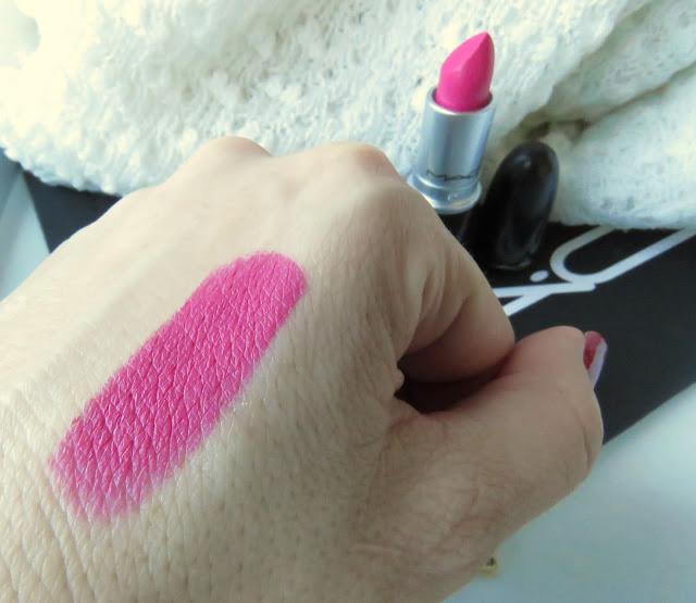 saveonbeauty_mac_pink_pigeon_ruz_na_pery_swatch