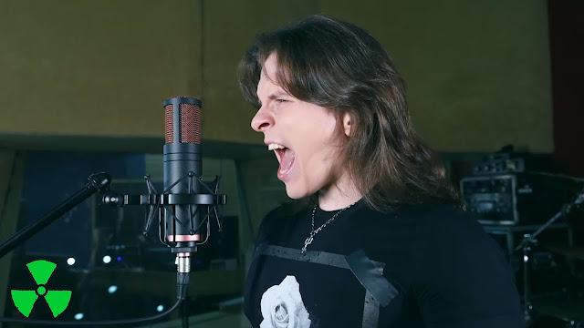 Ο τραγουδιστής Guilherme Hirose