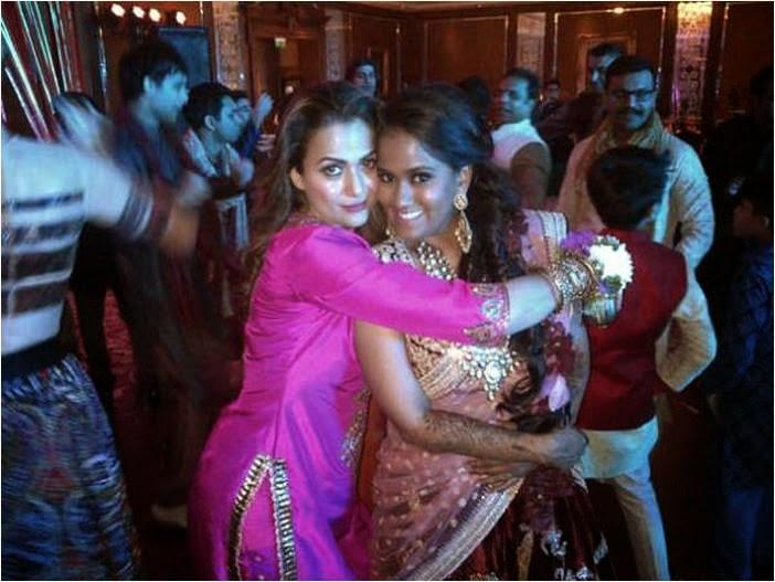 Arpita Khan and Amrita Arora together at Arpita's marriage
