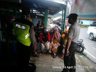 Polisi Ingatkan Masyarakat Patuhi Physical Distancing Dan larangan Berkerumun