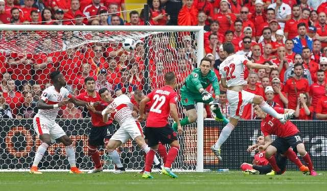 Albania Tertingal 1 - 0 Dari Swiss Hasil Gol Fabian Schar