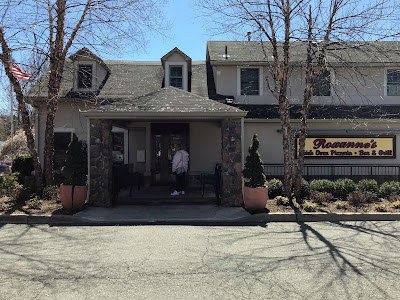Nobody's Inn... Mahwah, New Jersey... now called Roxanne's