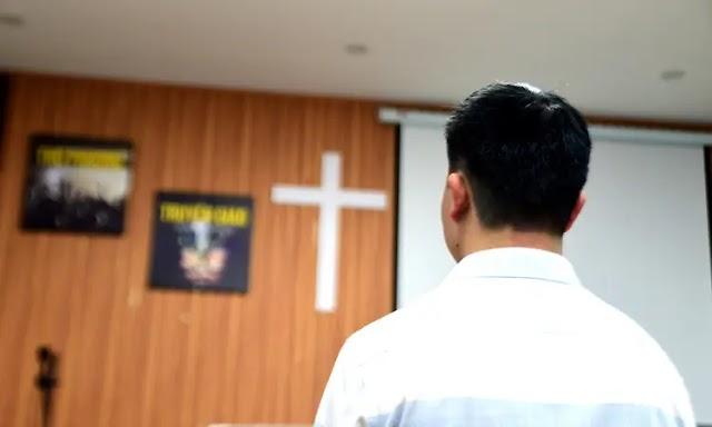 """Igreja no Vietnã é processada por """"espalhar"""" COVID-19"""
