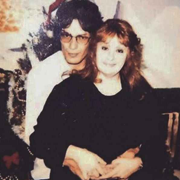"serial killer Richard Ramirez, also known as ""the Night Stalker,"" Doreen Lioy sent him 75 letters throughout an 11-year period and they married in 1996"