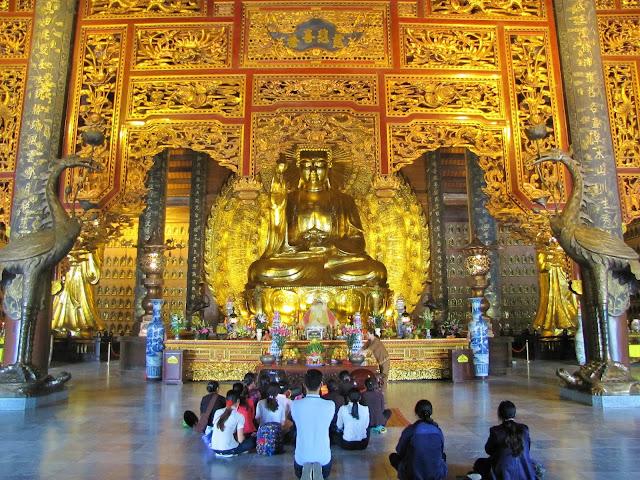 temple bai dinh pagoda ninh binh vietnam