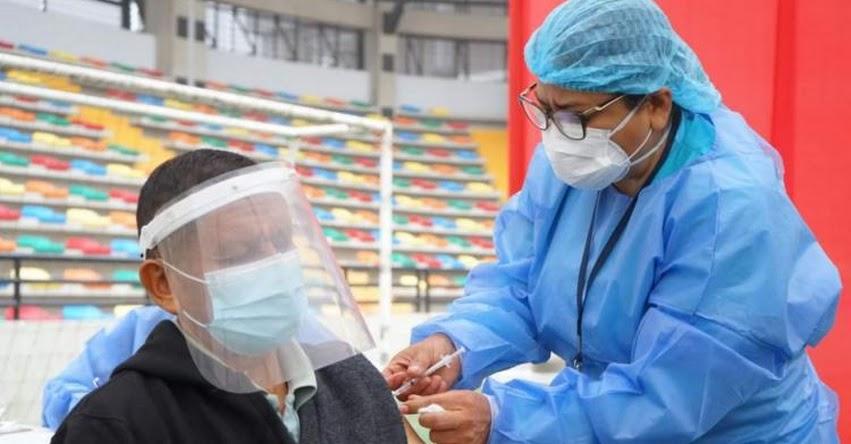 MINSA: 60 centros de vacunación atenderán desde este martes 8 de junio a personas de 60 a 62 años