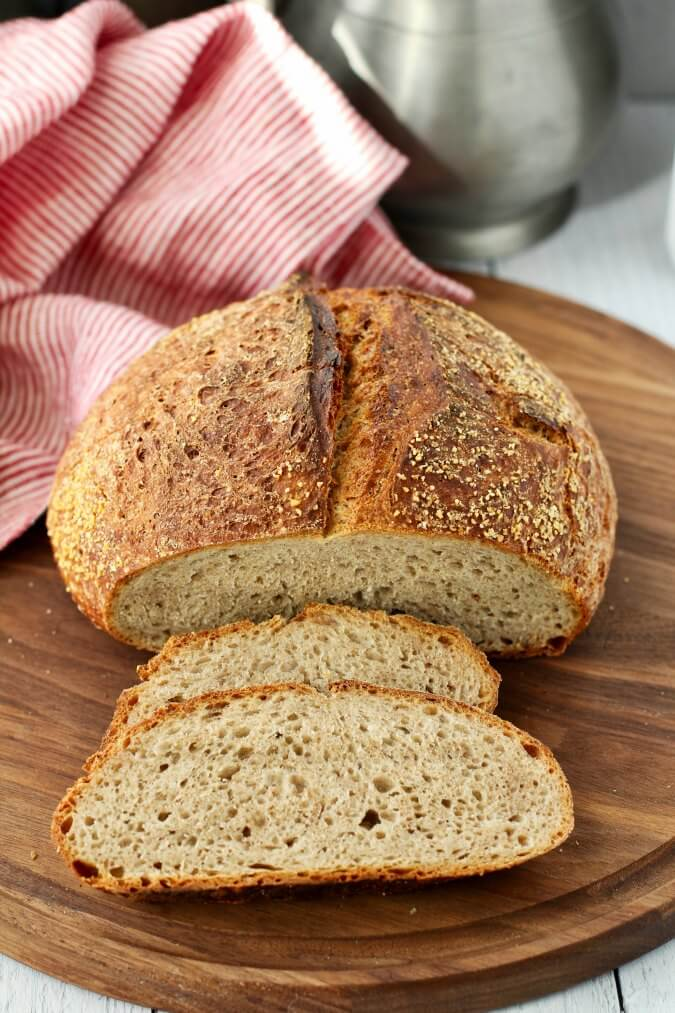 No Knead rye bread slices