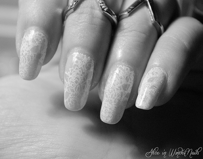 http://aliceinwondernails.blogspot.com/2015/08/wedding-details-4-bride-in-lace.html