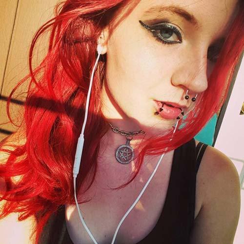 kırmızı saç snake bites piercing for redhead