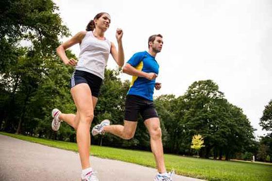 ﺃﻓﻀﻞ ﺍﻟﺮﻳﺎﺿﺎﺕ للبالغين على الاطلاق: المشي والجري والسباحة