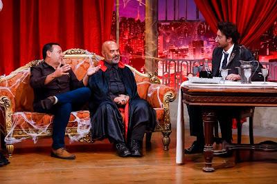 Os convidados Valter e Marcos com o apresentador (Crédito: Gabriel Cardoso/SBT)
