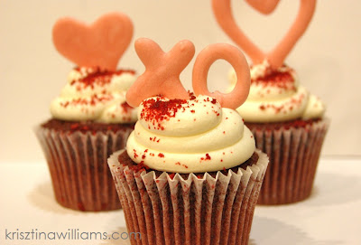 http://www.krisztinaclifton.com/2013/02/how-to-make-edible-heart-cupcake-toppers.html