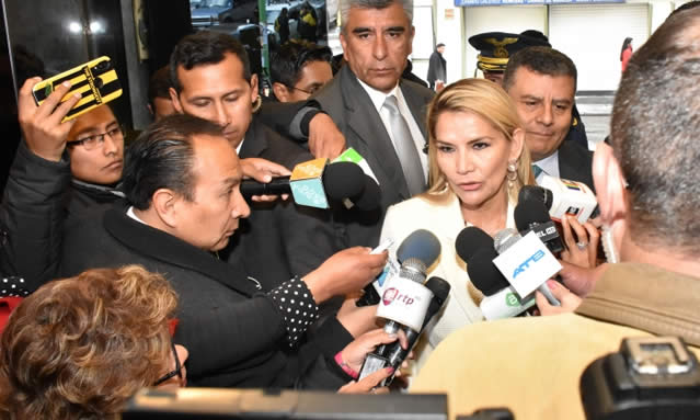 Presidenta Áñez reitera que Ley de Garantías es inconstitucional: será enviada al TCP