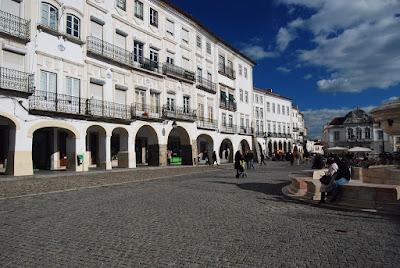place principale d'Evora