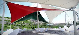 مظلات مثلثه