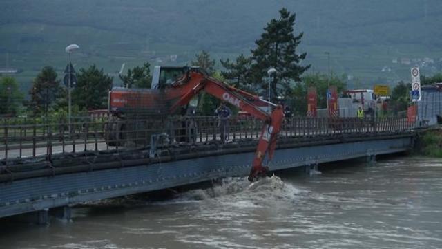 Maltempo, due dispersi nel fiume Adige