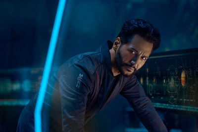 Image of Cas Anvar in The Expanse Season 2 (7)
