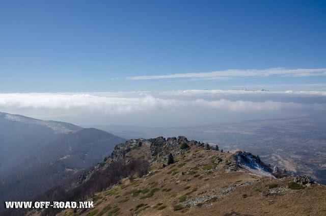 Поглед од Врв Вртешка - 2010 м - во близина на село Маловиште
