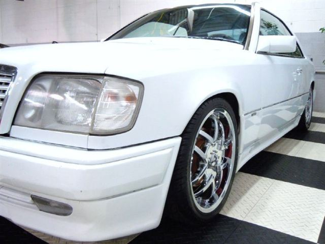 w124 coupe white