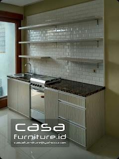 Kitchen set sederhana minimalis model lurus di Pondok Aren Tangerang Selatan