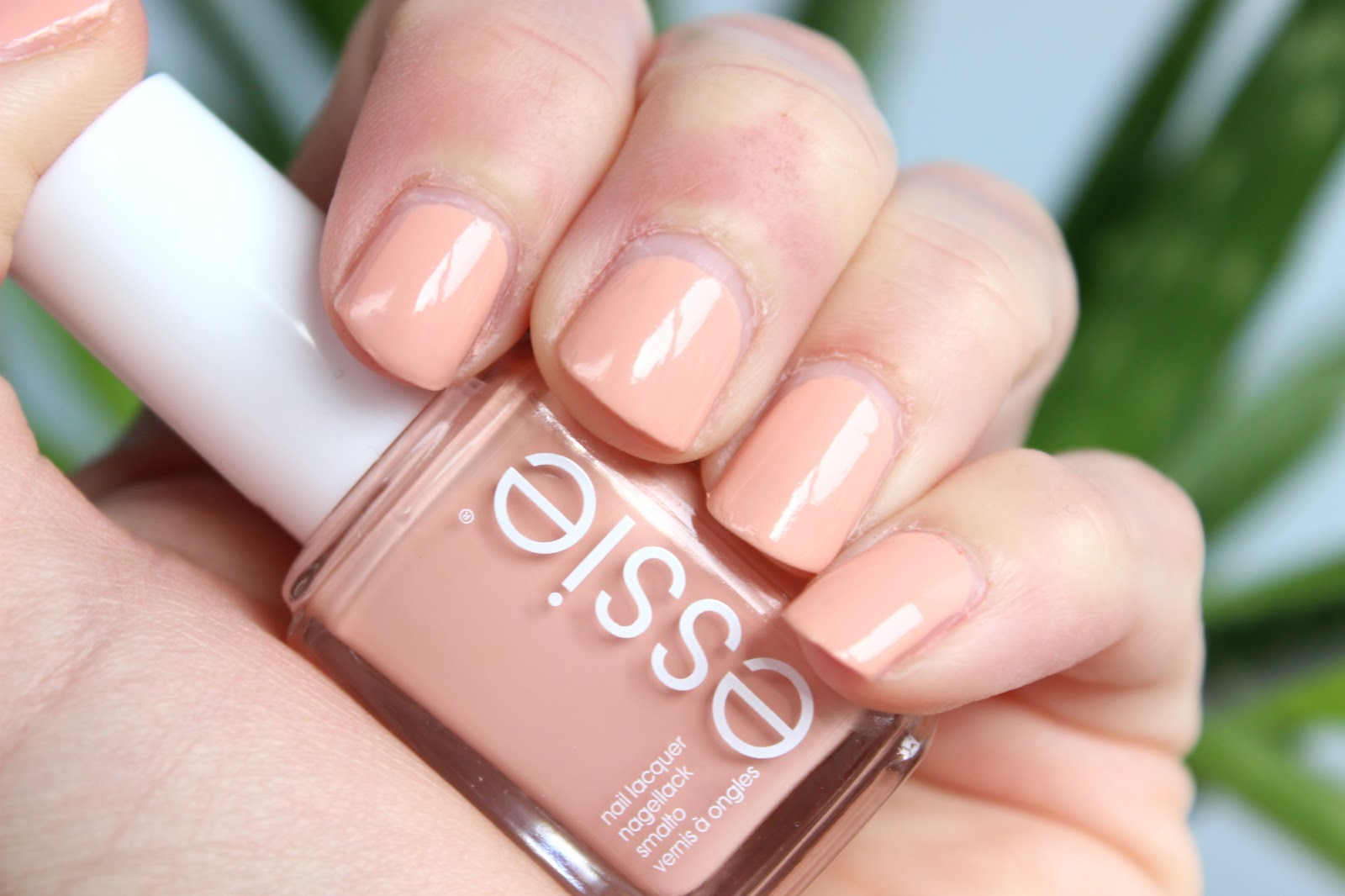 Sprinkles on a cupcake: beauty: essie spring 2016