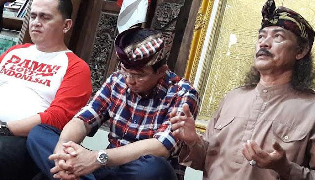 Melihat Spanduk Jakarta Bersyariah, Gus Nuril Kepanasan Lalu Bilang Seperti Ini