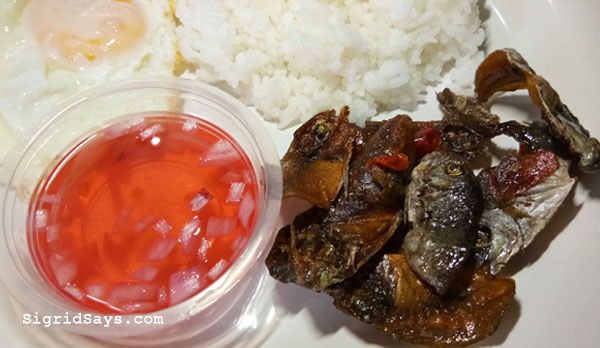 Bacolod caramelized danggit - Ces Caramelized danggit - Bacolod pasalubong - pink vinegar - danggit breakfast meal - Bacolod blogger - food blogger - travel