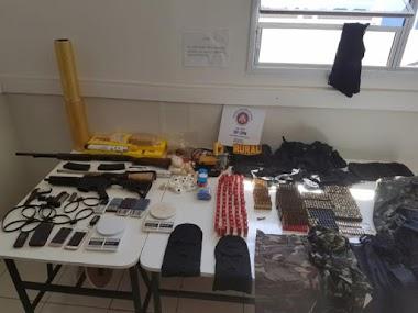 Suspeitos de integrar grupo especializado em assalto a banco são presos em Serra do Ramalho