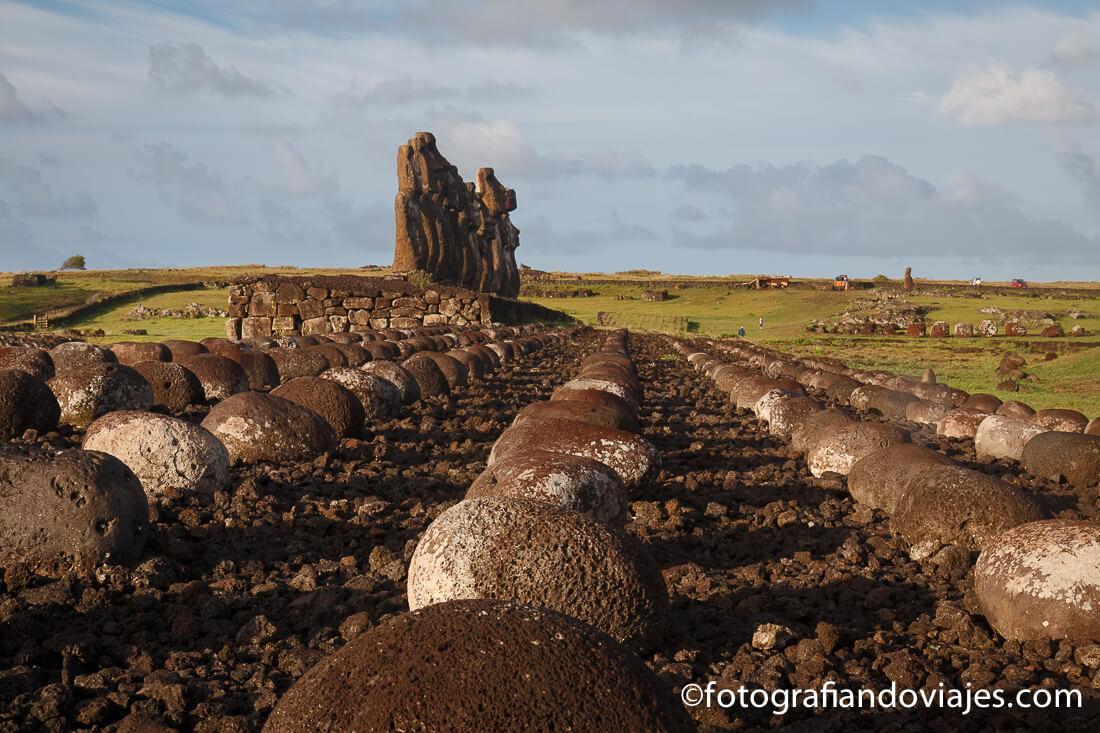 Amanecer en Tongariki isla de Pascua o Rapa Nui