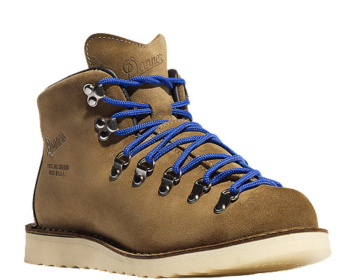 Find helpful customer reviews and review ratings for Danner Men's Outdoor Boot at football-watch-live.ml Read honest and unbiased product reviews from our users.