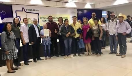 Vereadora Selma participou do Ato de Assinatura do Acordo de Cooperação Técnica que irá permitir a concessão do Título de Propriedade para assentados de Rosário Oeste