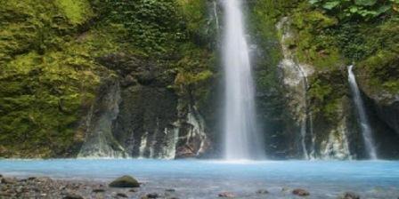 wisata air terjun 2 warna sibolangit wisata alam air terjun dua warna objek wisata air terjun dua warna