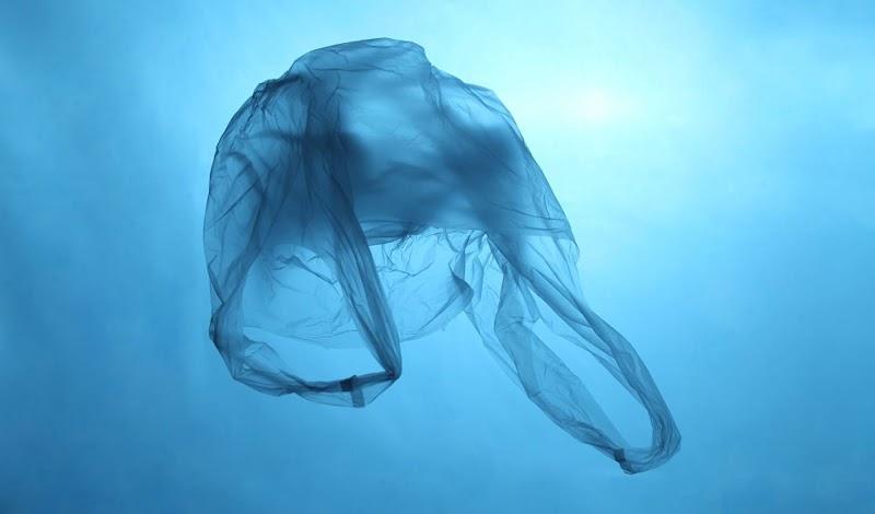 Plastik Bocor