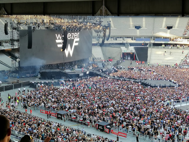 Weezer concert