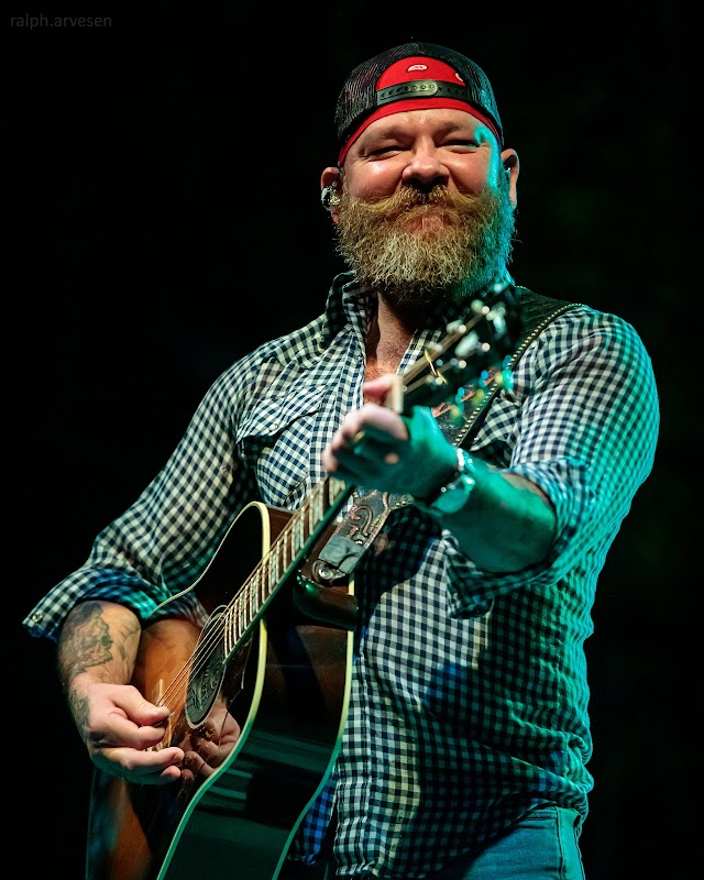 Stoney LaRue performing at the Nutty Brown Amphitheatre in Austin, Texas