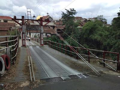 Jembatan lawas di bumiayu malang