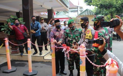 Polres Lumajang Resmikan Jatim  Bermasker danTim Kuro